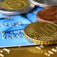 Karta kredytowa – plusy i minusy jej posiadania